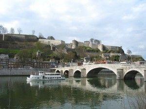 TSR_puente-sobre-el-rio-mosaa-y-fortaleza-namur-belgica